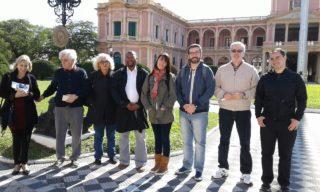 XIV encuentro Profesores frente al Palacio de López